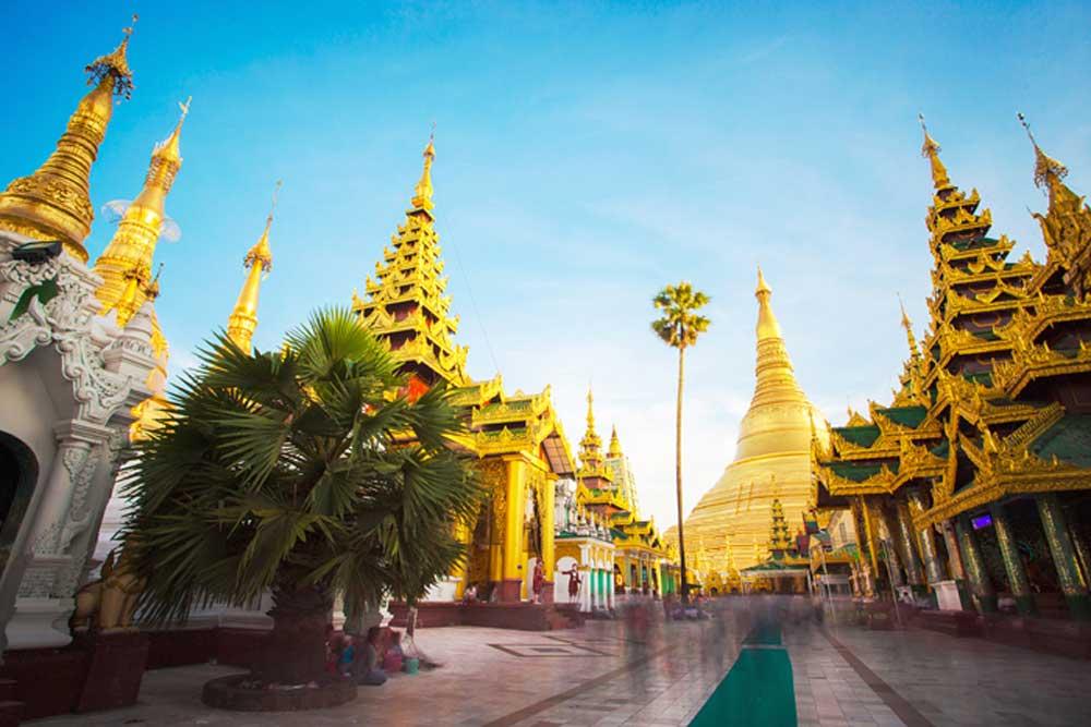Shwedagon Pagoda Walkway