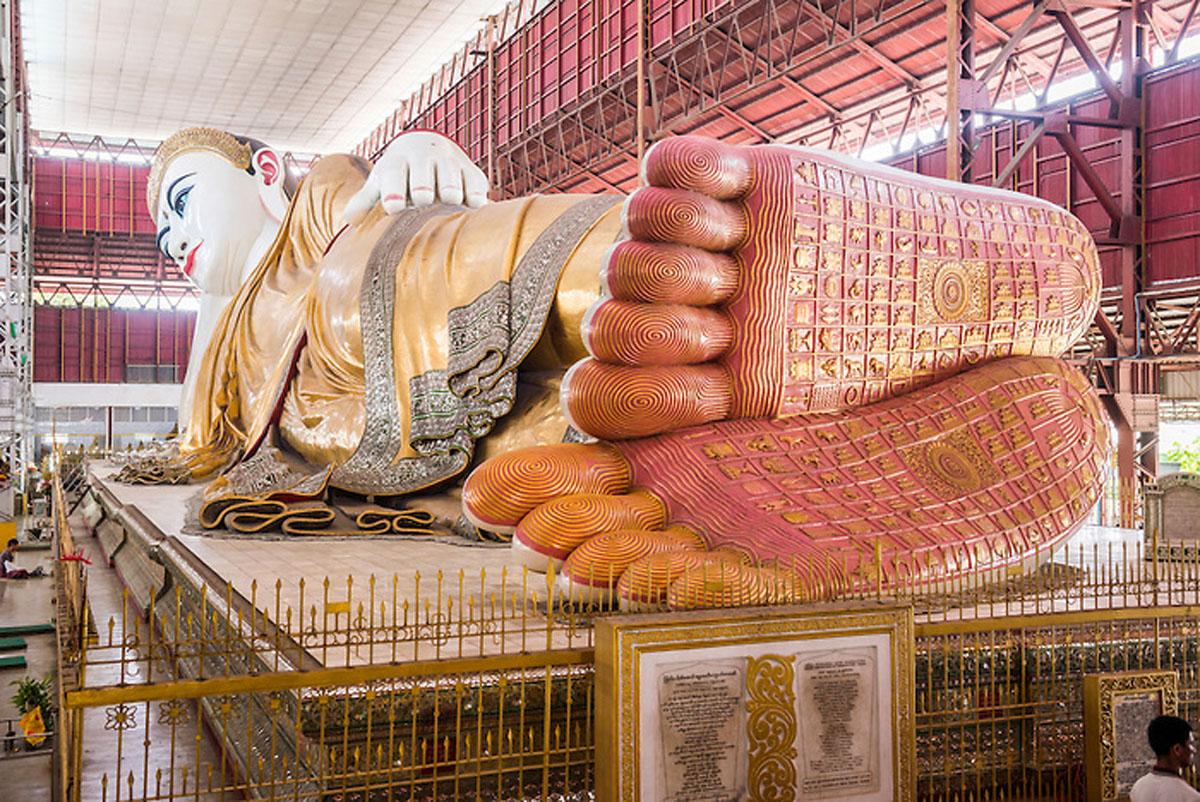 66m Reclining Buddha at Chauk Htat Gyi (Chaukhtatgyi) Buddha Temple, Yangon (Rangoon), Myanmar (Burma)